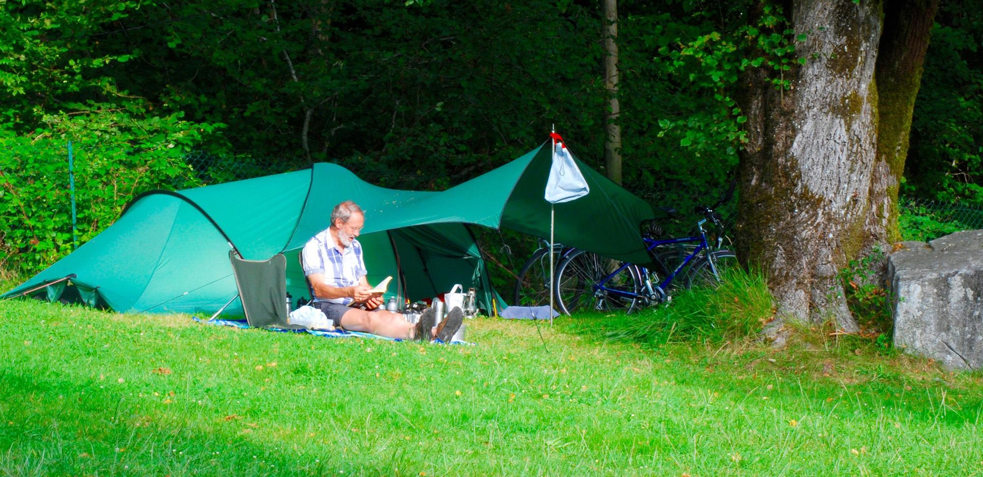 Espacio para carpa en el camping la Forêt Lourdes