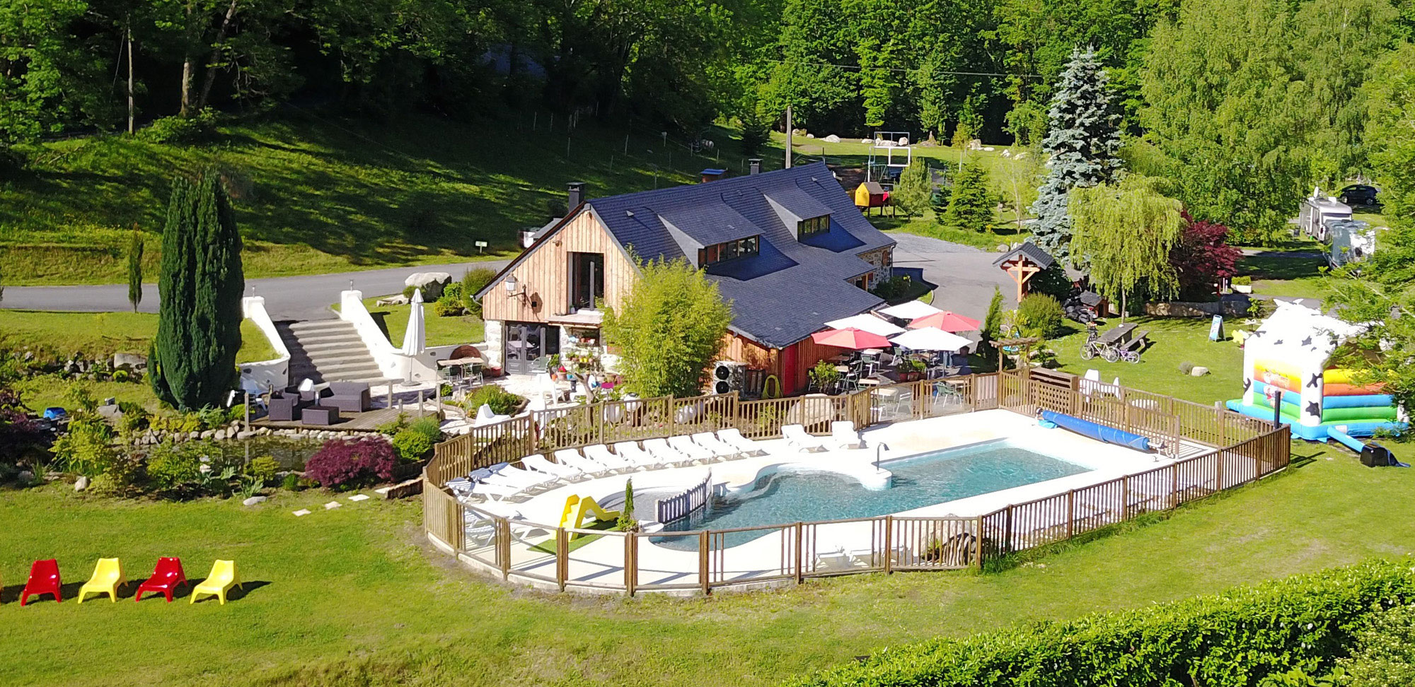Heated swimming pool with panoramic view in Lourdes