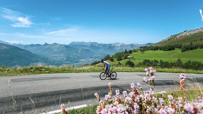 míticos pases de los Altos Pirineos en bicicleta