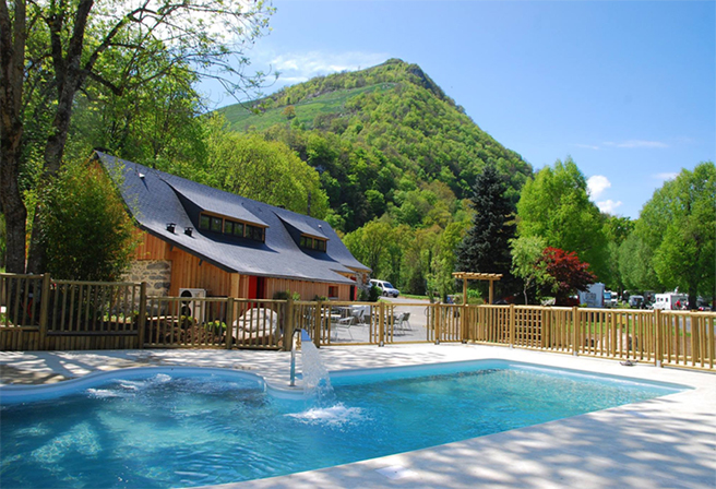 Heated pool with panoramic view La Forêt Lourdes